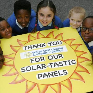 School pupils thanks SELCE for their solar panels